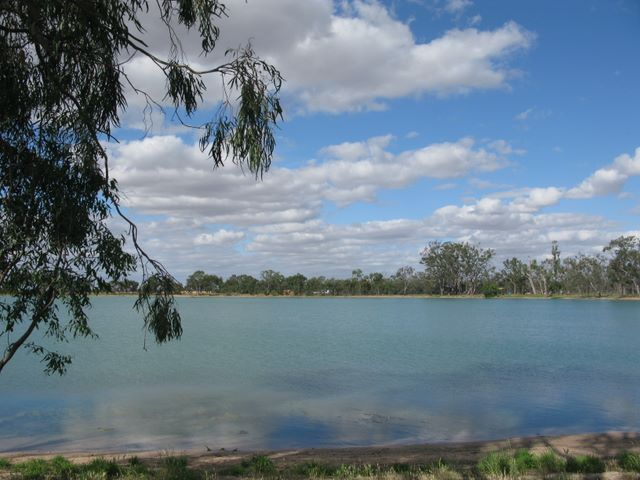 Beautiful Lake Lascelles at Hopetoun.