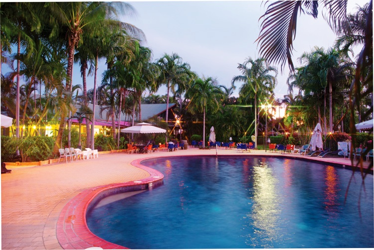 darwin-freespirit-main-image-resort-pool