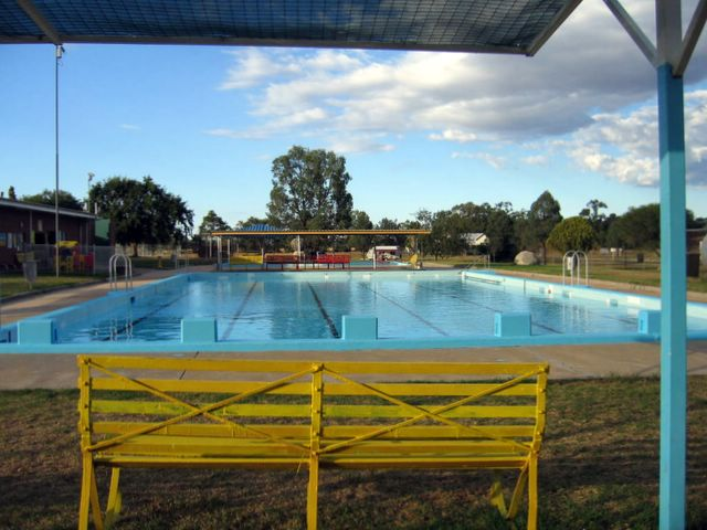 Ashford nsw album 1 ashford swimming pool for Swimming pools target australia