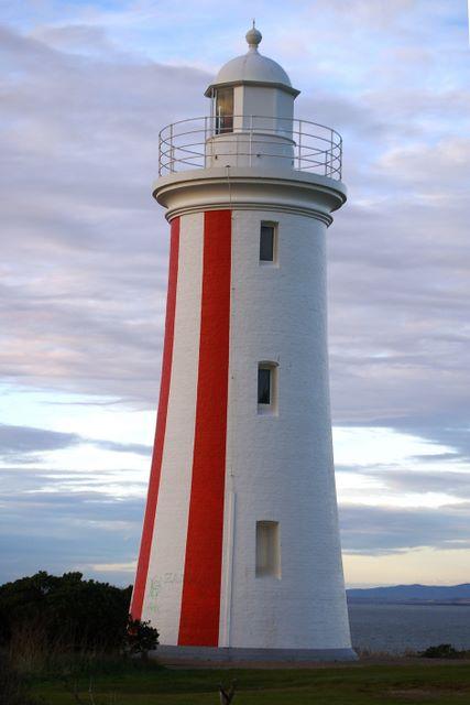 Mersey Bluff Caravan Park - Devonport Mersey Bluff lighthouse