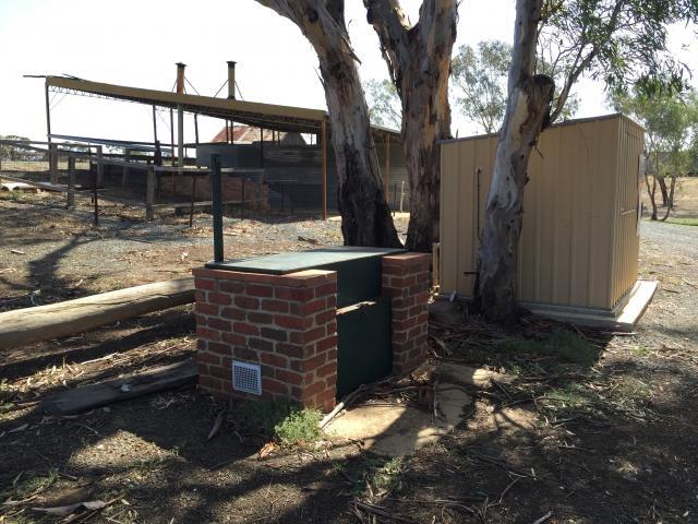 Rotary Park Free Camping - Echuca BBQ facilities
