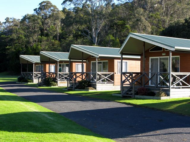 Sapphire Valley Caravan Park - Merimbula NSW: Cottage accommodation, ideal for families, couples and singles (large)