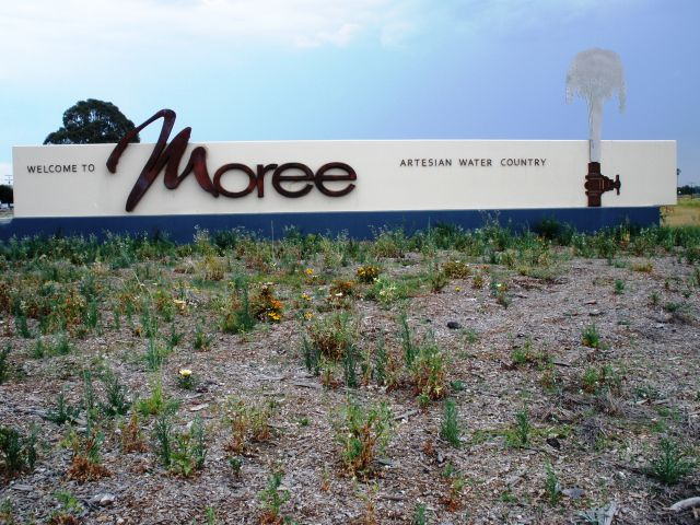 Gwydir Cara Park and Thermal Pools - Moree Moree Township welcome sign ...