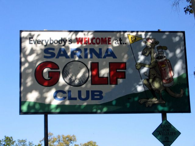 Sarina Golf Course - Sarina: Sarina Golf Course welcome sign