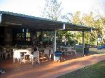 Happy Hallidays Holiday Park - Hallidays Point: Camp kitchen and BBQ area