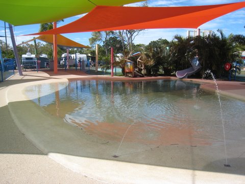 Conway beach tourist park whitsunday conway beach swimming pool for Swimming pools target australia